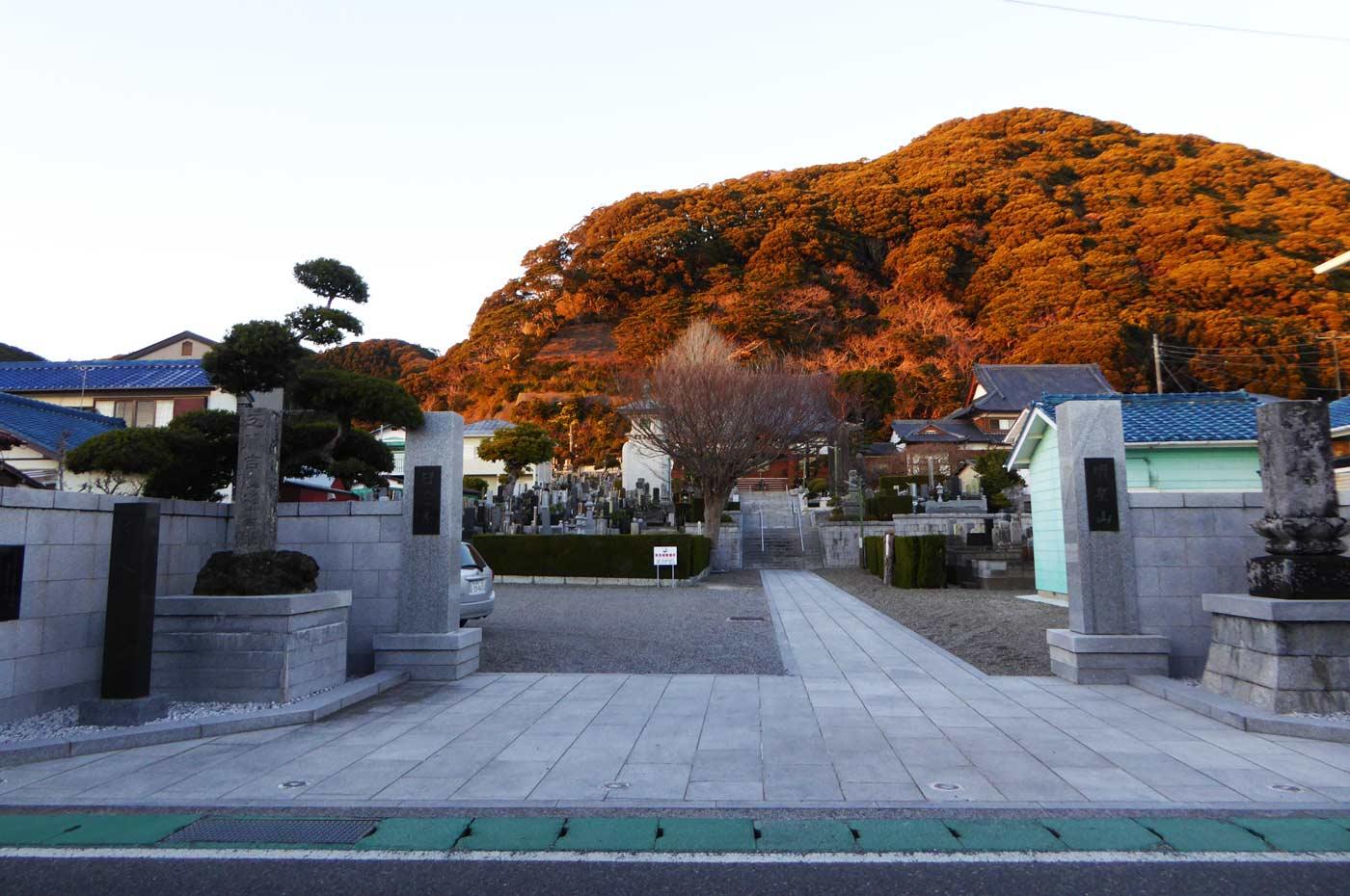 日澄寺入口付近の画像
