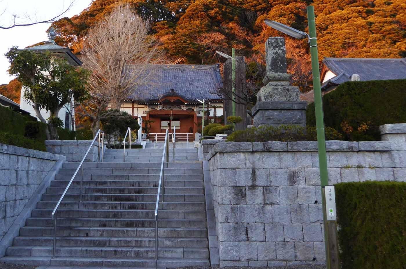 日澄寺参道の画像