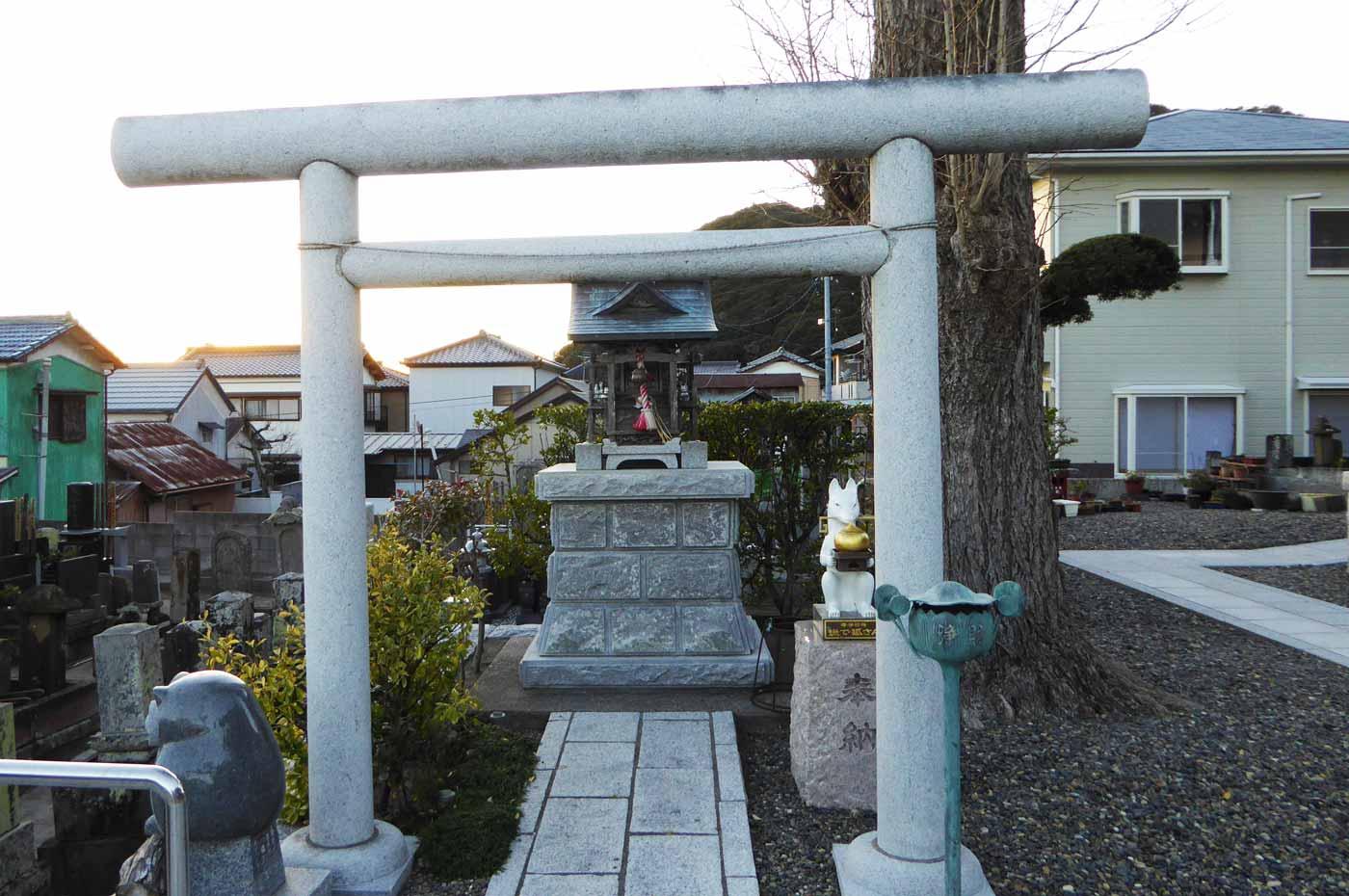 日澄寺稲荷社の画像