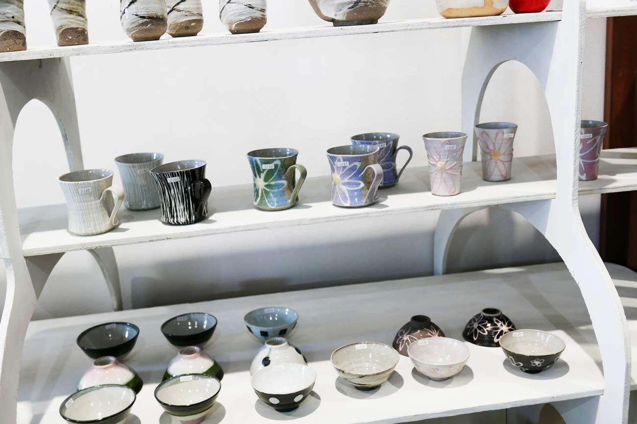 陶器コーナーの画像
