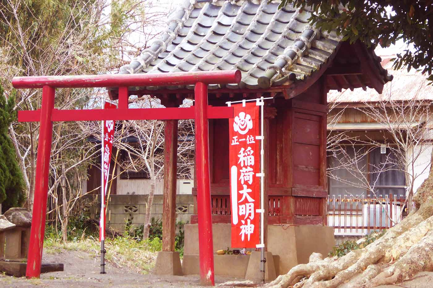 御滝神社の稲荷大明神