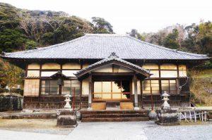 頼忠寺の本堂