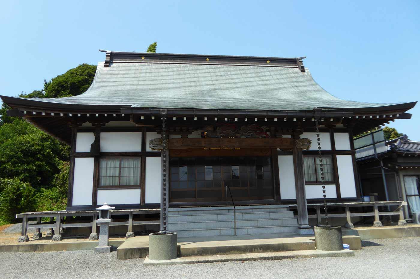 瀧山寺の本堂
