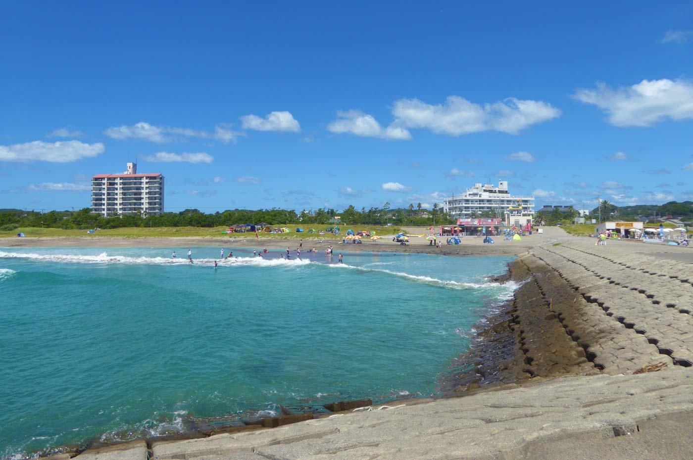 瀬戸浜海水浴場 右側のビーチ