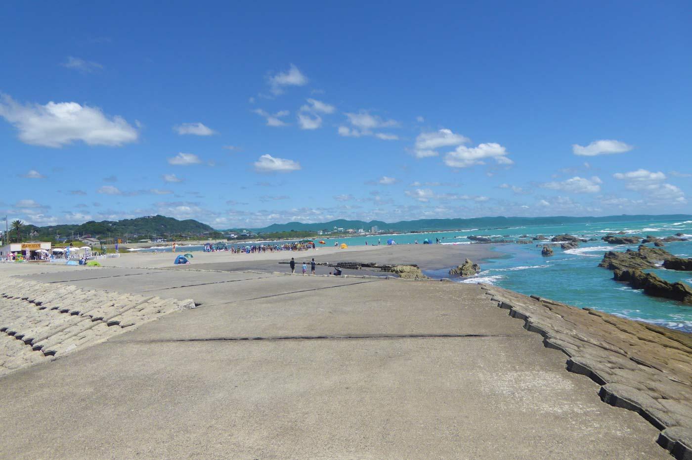 瀬戸浜海水浴場 左側のビーチ