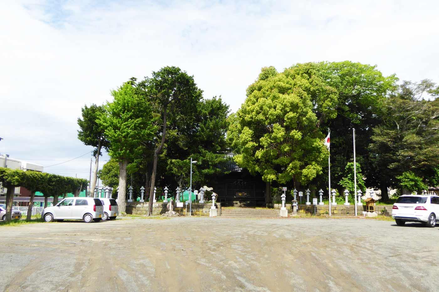 神明神社の境内の写真