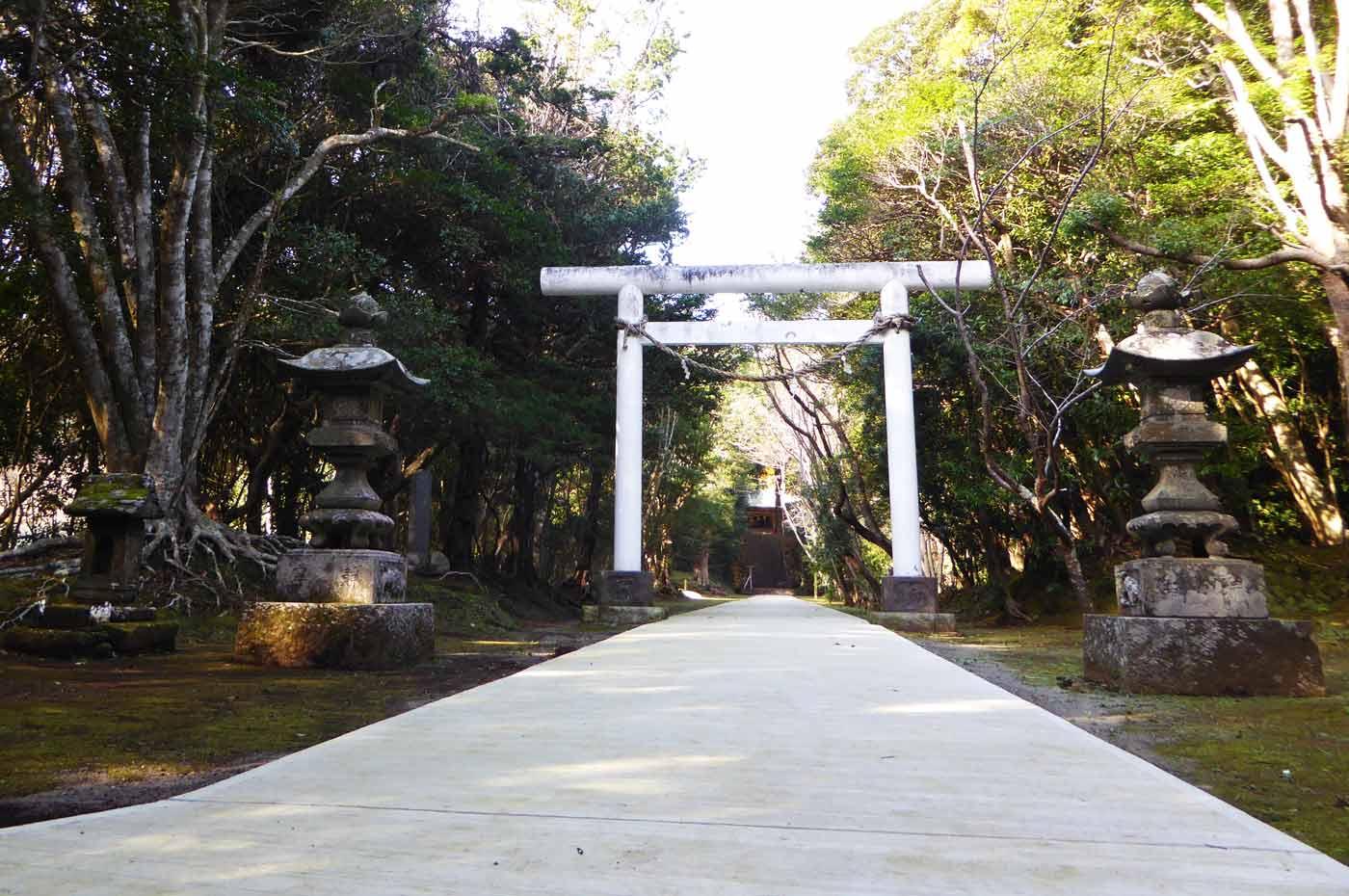 下立松原神社の二番目の鳥居
