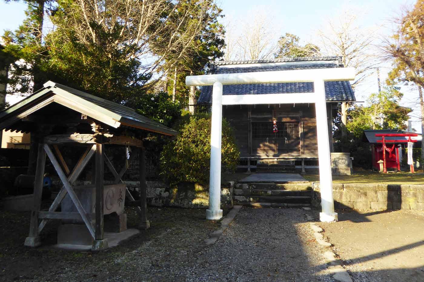 神明神社(館山市上真倉)の拝殿