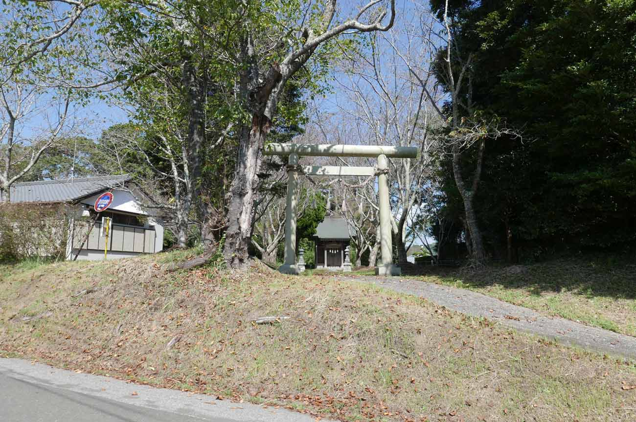 神明神社の靖国鳥居