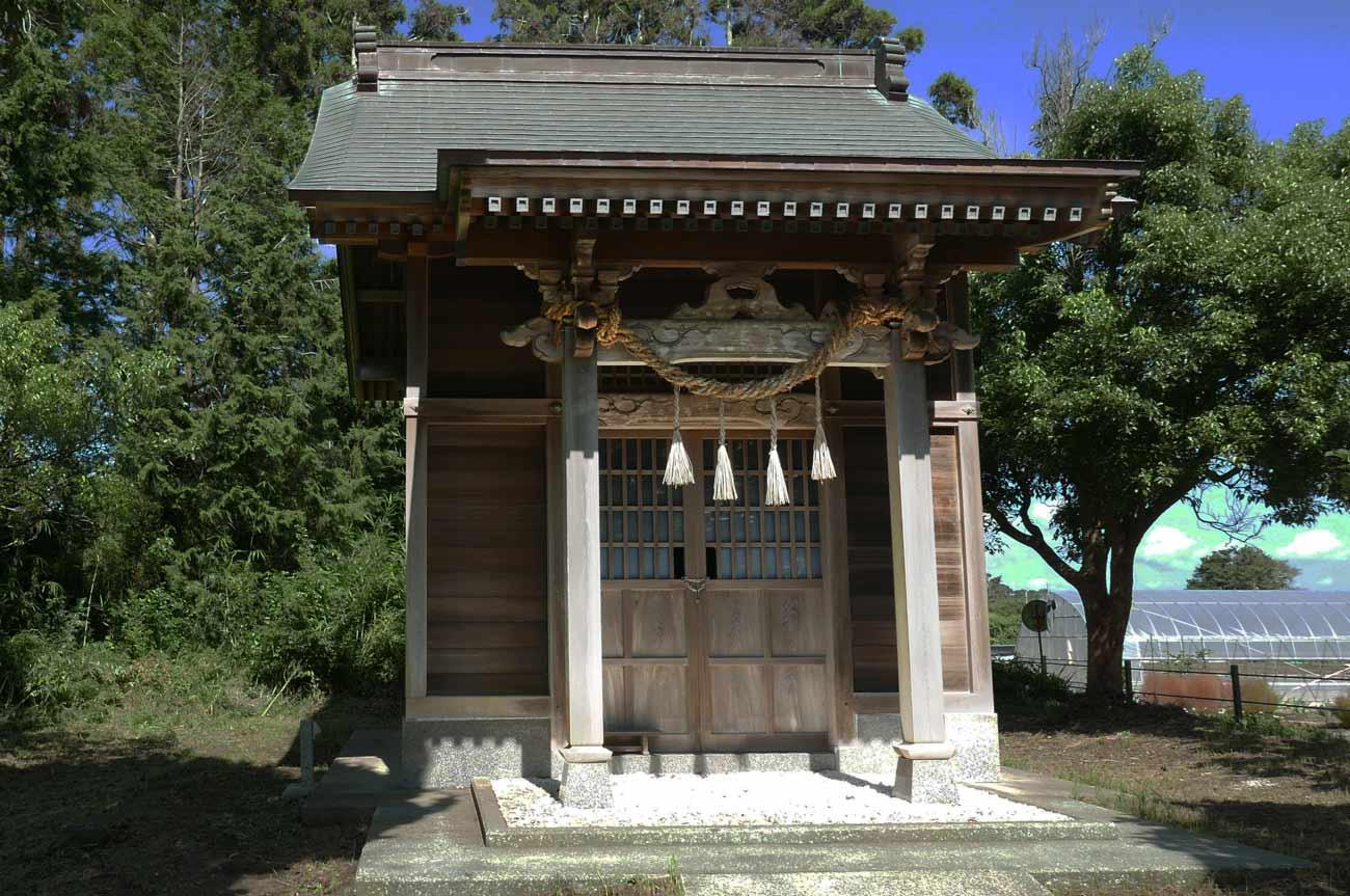 神明神社の拝殿(本殿)