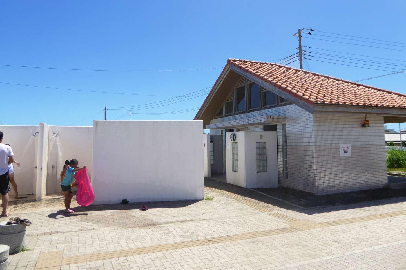 塩浦海水浴場のシャワー施設