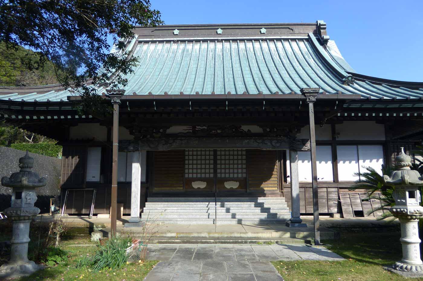 紫雲寺の本堂の写真