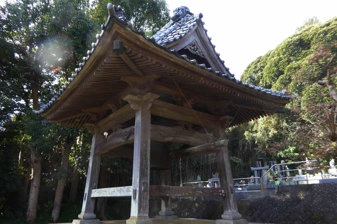 紫雲寺の梵鐘の画像