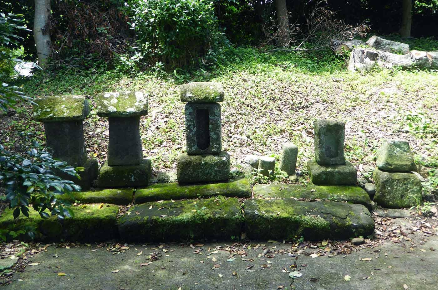 菅原神社の石祠