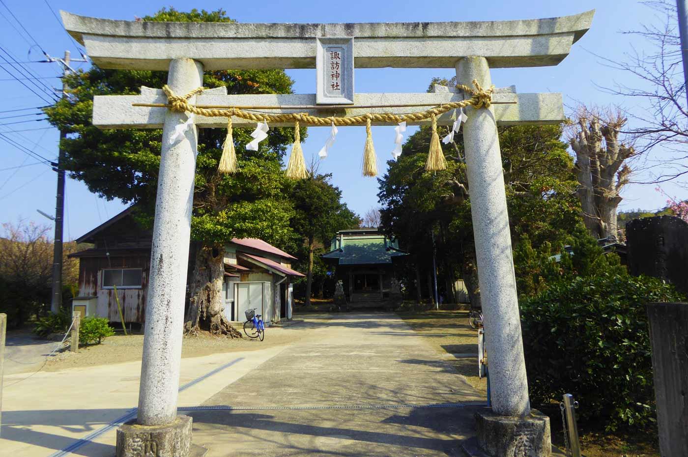 諏訪神社(国分)の鳥居