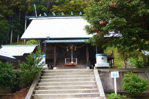 高皇産霊神社の拝殿