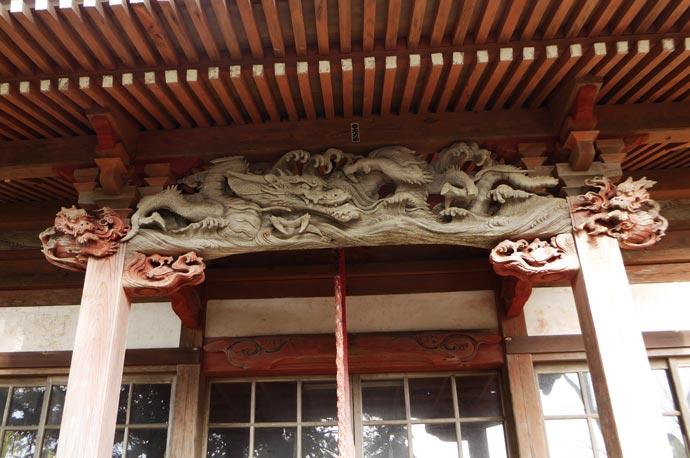 太田堂向拝の後藤義光の彫刻