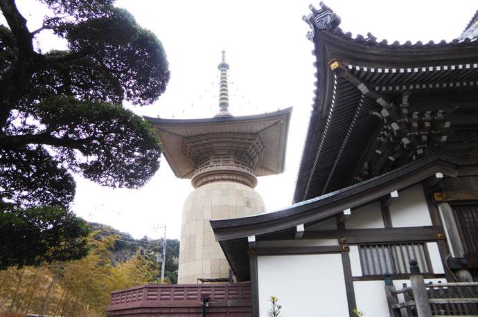 本師堂宝塔の画像