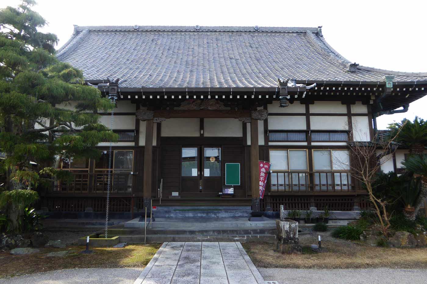 徳蔵院の本堂の写真