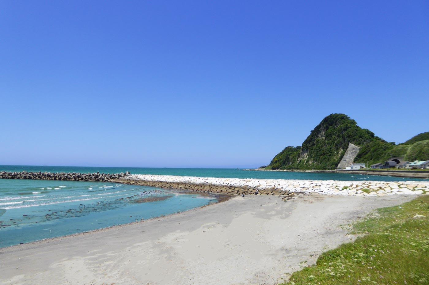 岩井海水浴場の防波堤