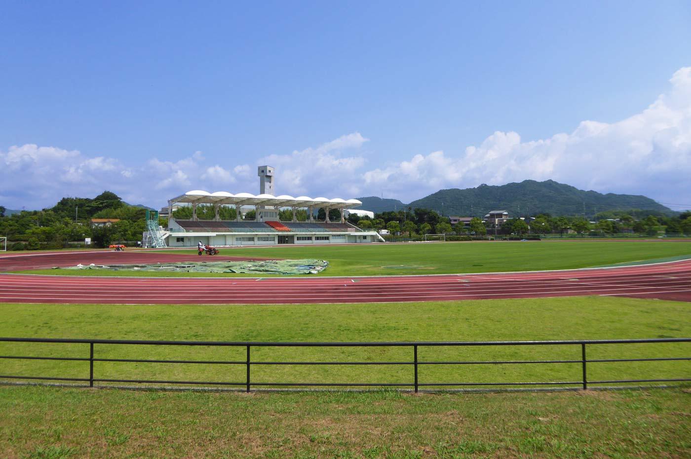 鴨川総合運動施設の陸上競技場