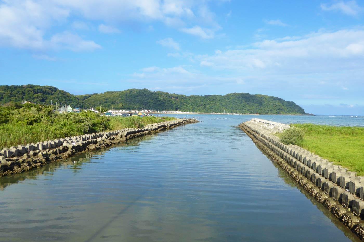 多田良北浜海水浴場 岡本川