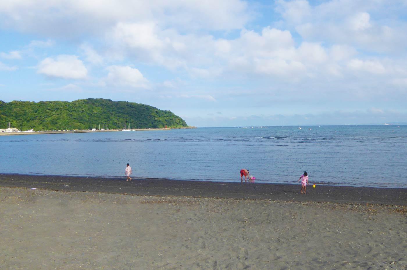 多田良北浜海水浴場から見た大房岬