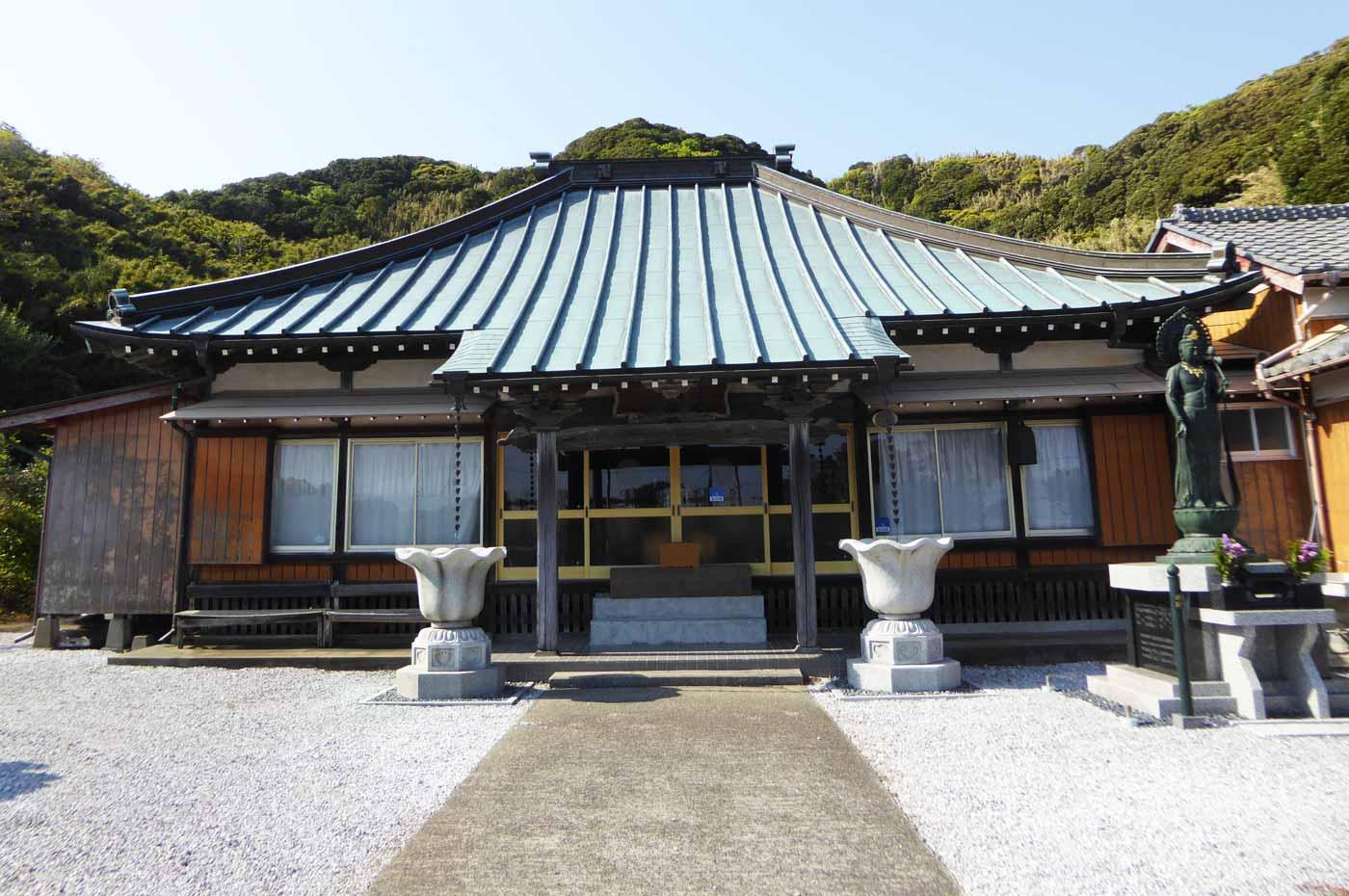 東光寺本堂のアップ画像