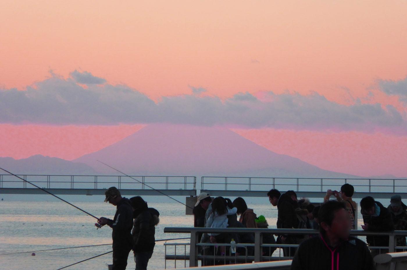 館山夕日桟橋の釣りの風景
