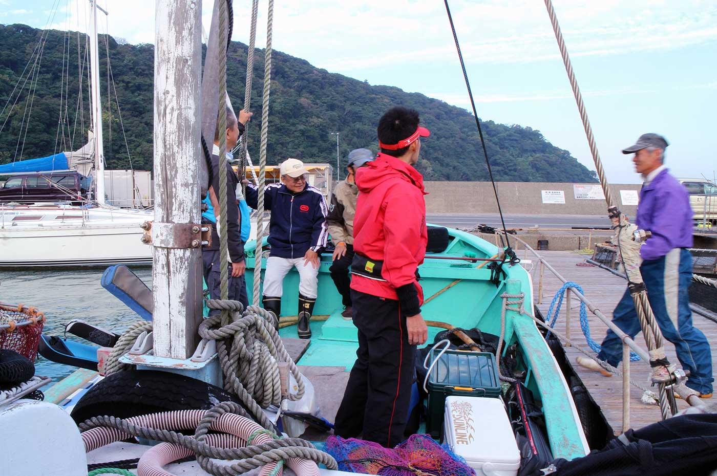 富浦漁協イカダ釣りの船着き場写真