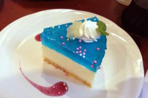 レリッシュのブルーハワイ・レアチーズケーキ