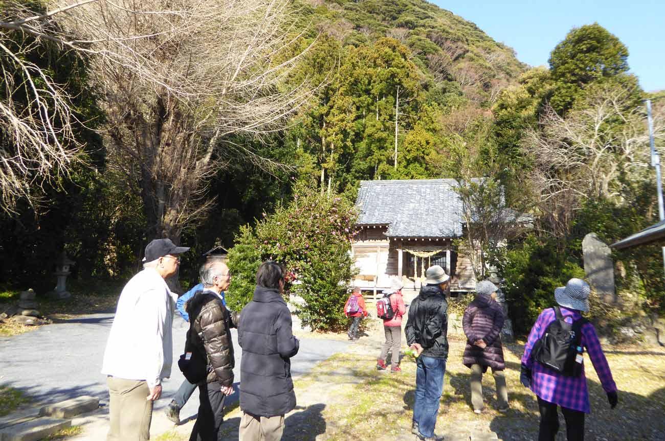 八雲神社の参拝客の画像