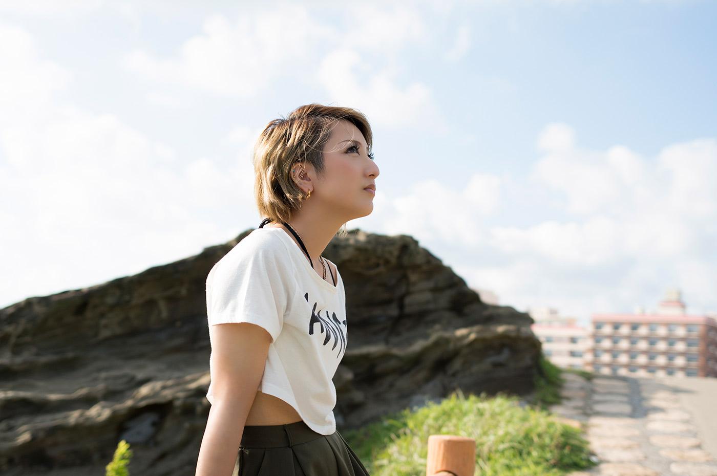 野島崎灯台 野島崎公園で佇むガール