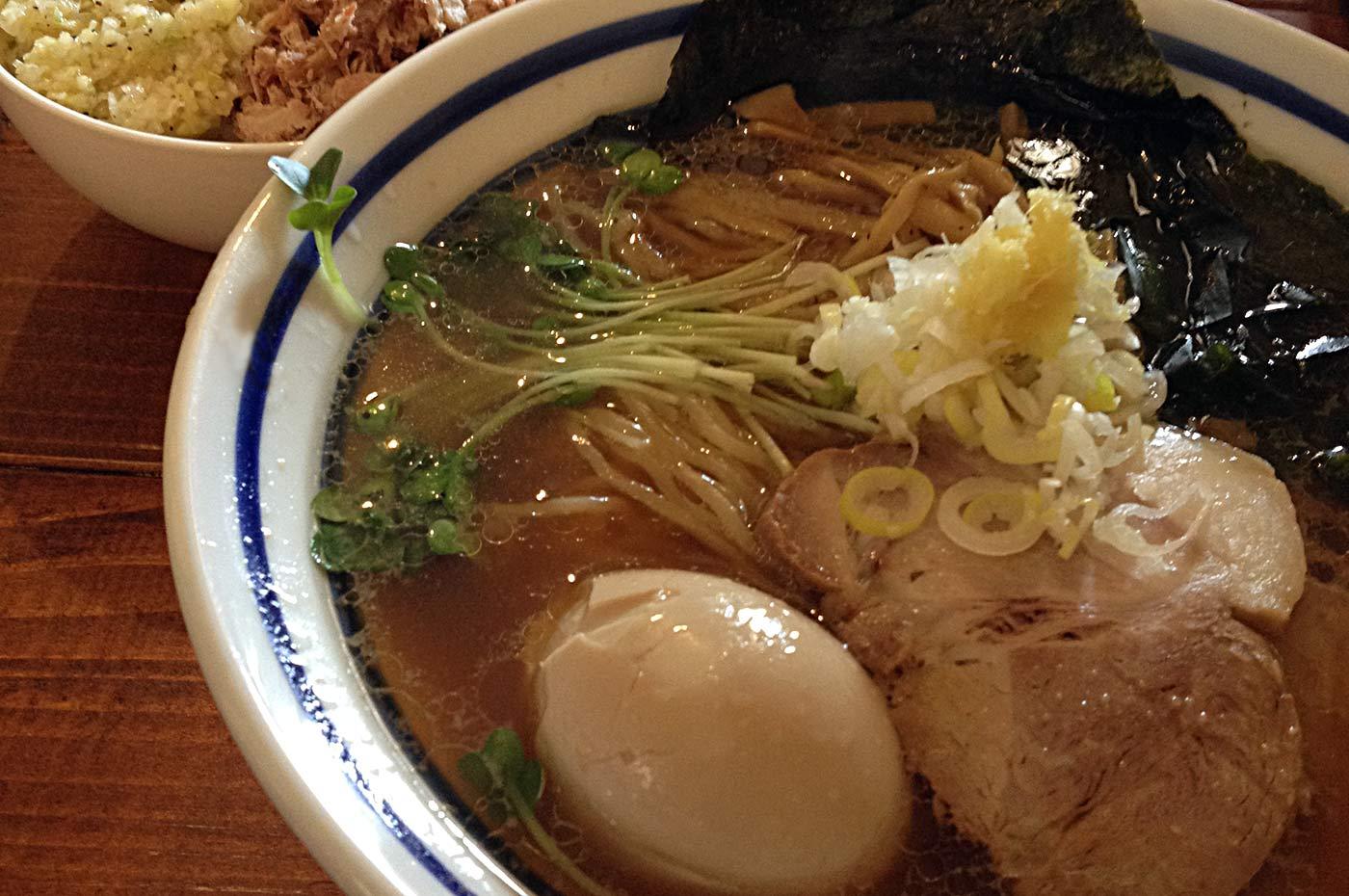 波音食堂ラーメンのチャーシュー生姜ごはん&半熟煮玉子ラーメン