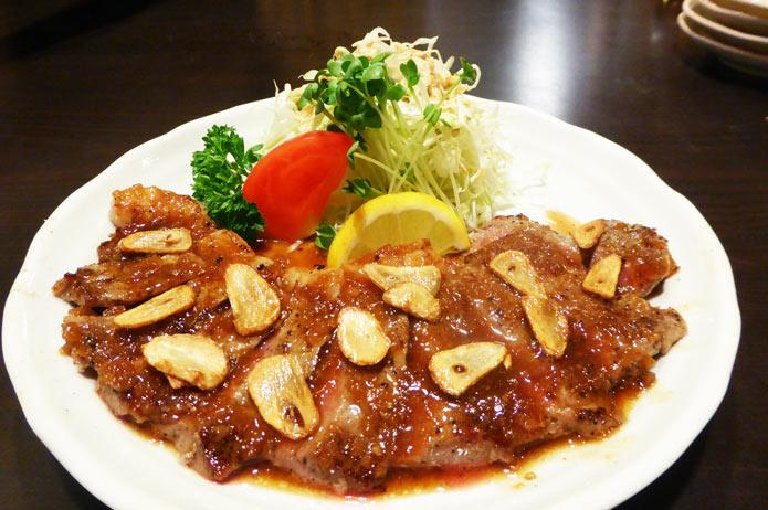 恵泉の牛肉ガーリックステーキの画像