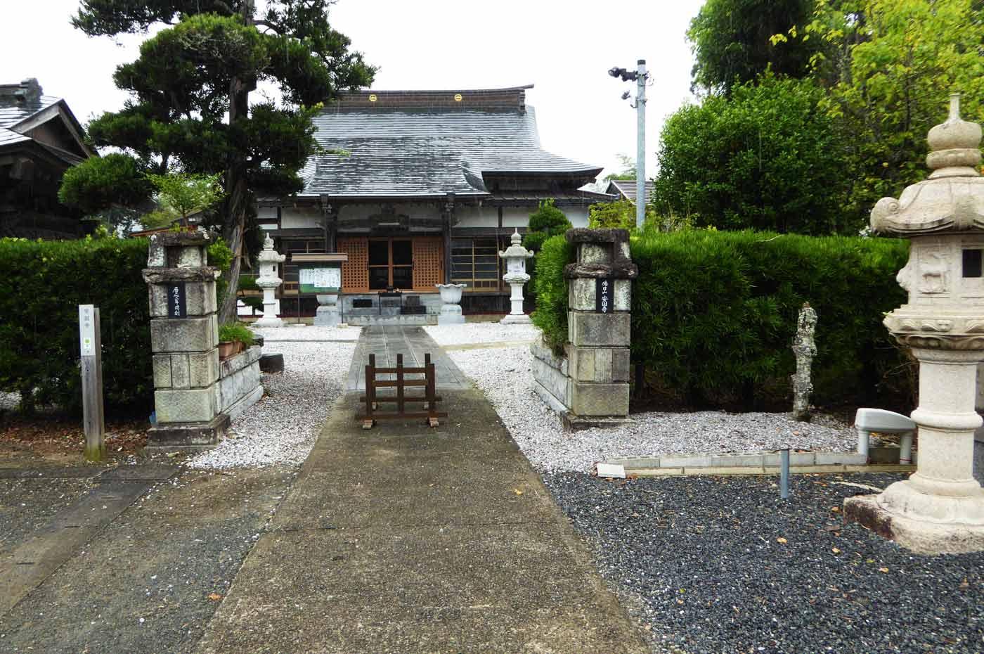 安国寺 駐車場から見た本堂の画像