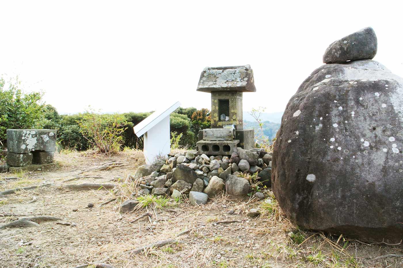 おんだら山  頂上の浅間神社
