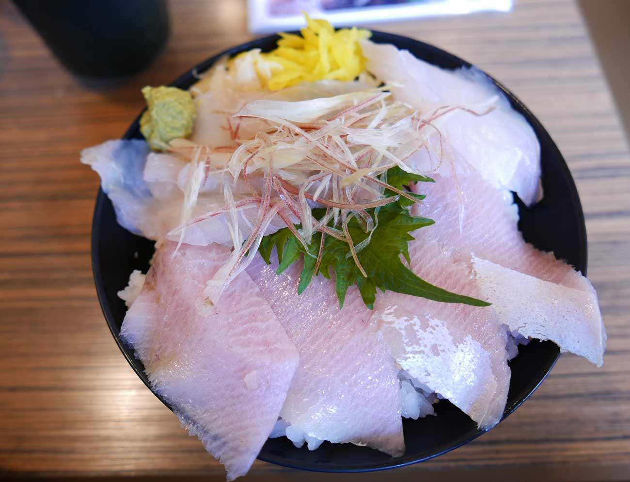 旬の地魚丼の画像