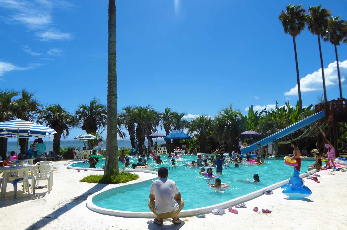 白浜フラワーパークの屋外プール