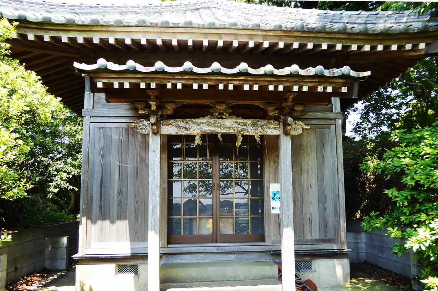 日運寺の七面堂