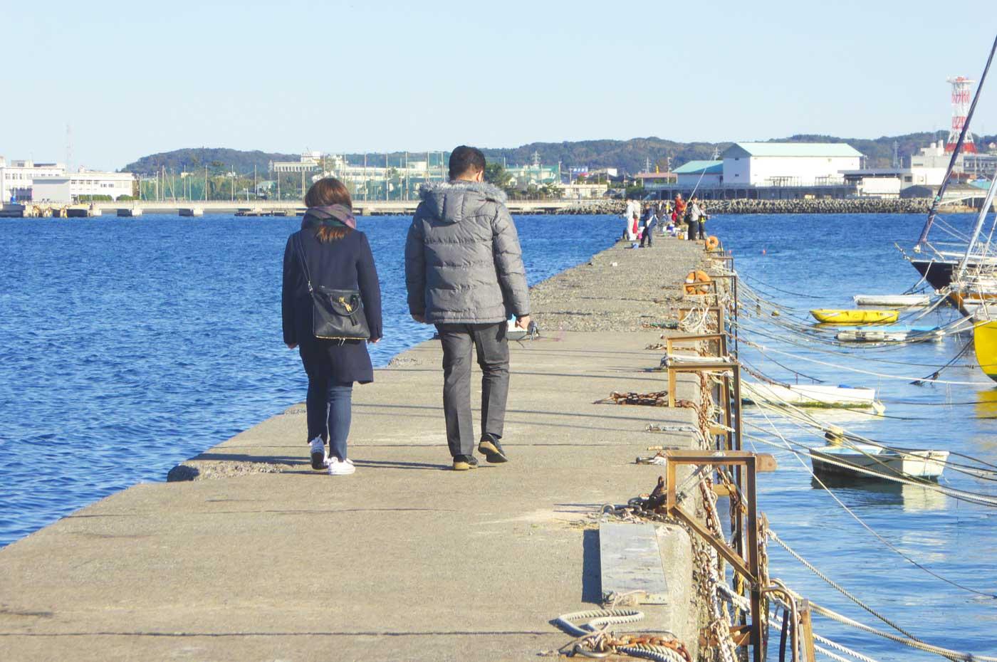 館山自衛隊新堤防の釣り風景