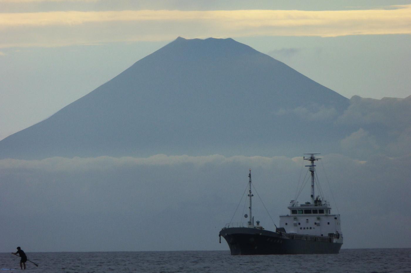 富士山をバックにスタボ