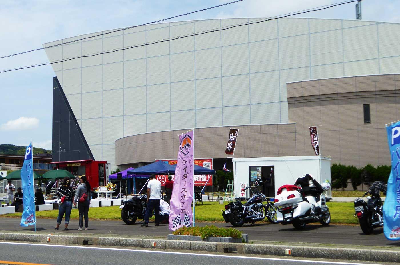 ライダーズカフェの店舗画像
