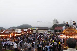 勝山の祭り 屋台集結の様子