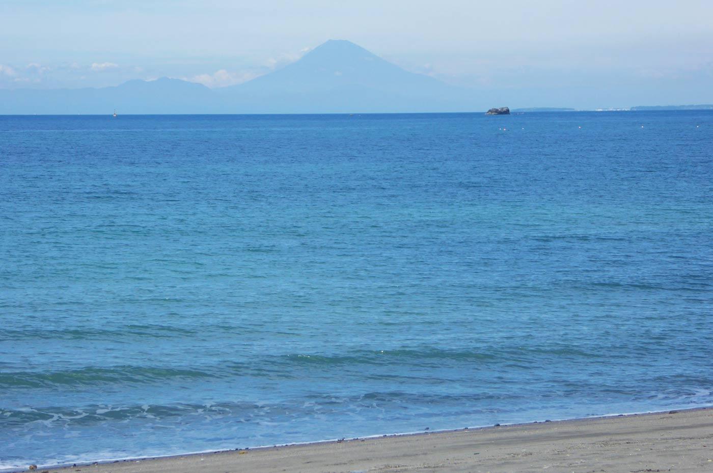 南無谷海水浴場の富士山