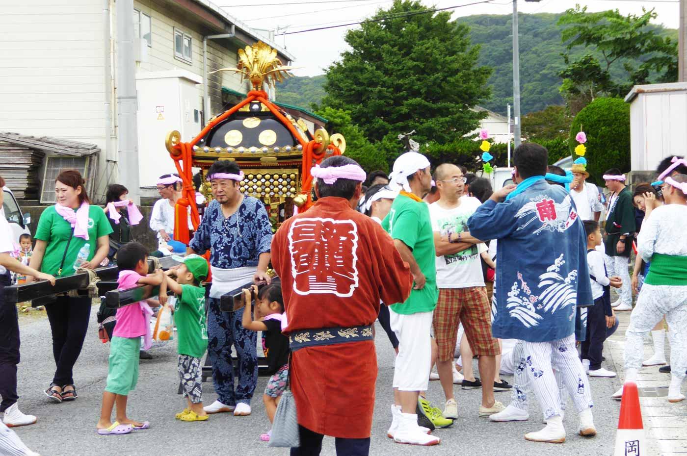 岡瀬田地区 八幡の神輿