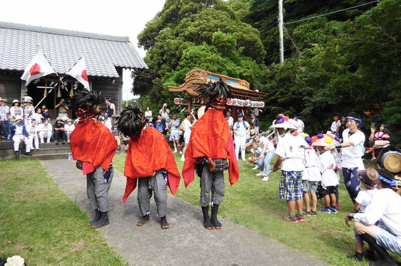 瀧淵神社の鞨鼓舞い