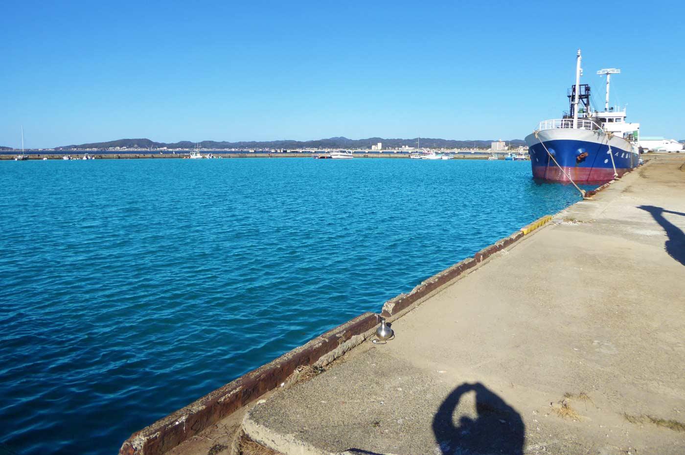 館山港岸壁の釣り場