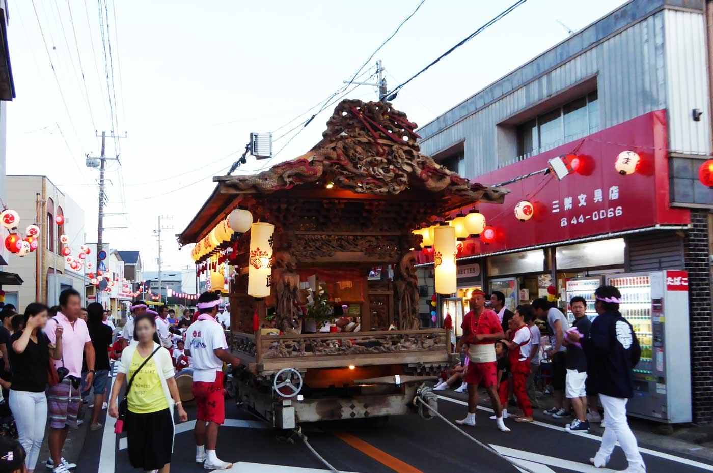 寺庭地区 千倉八幡神社の屋台