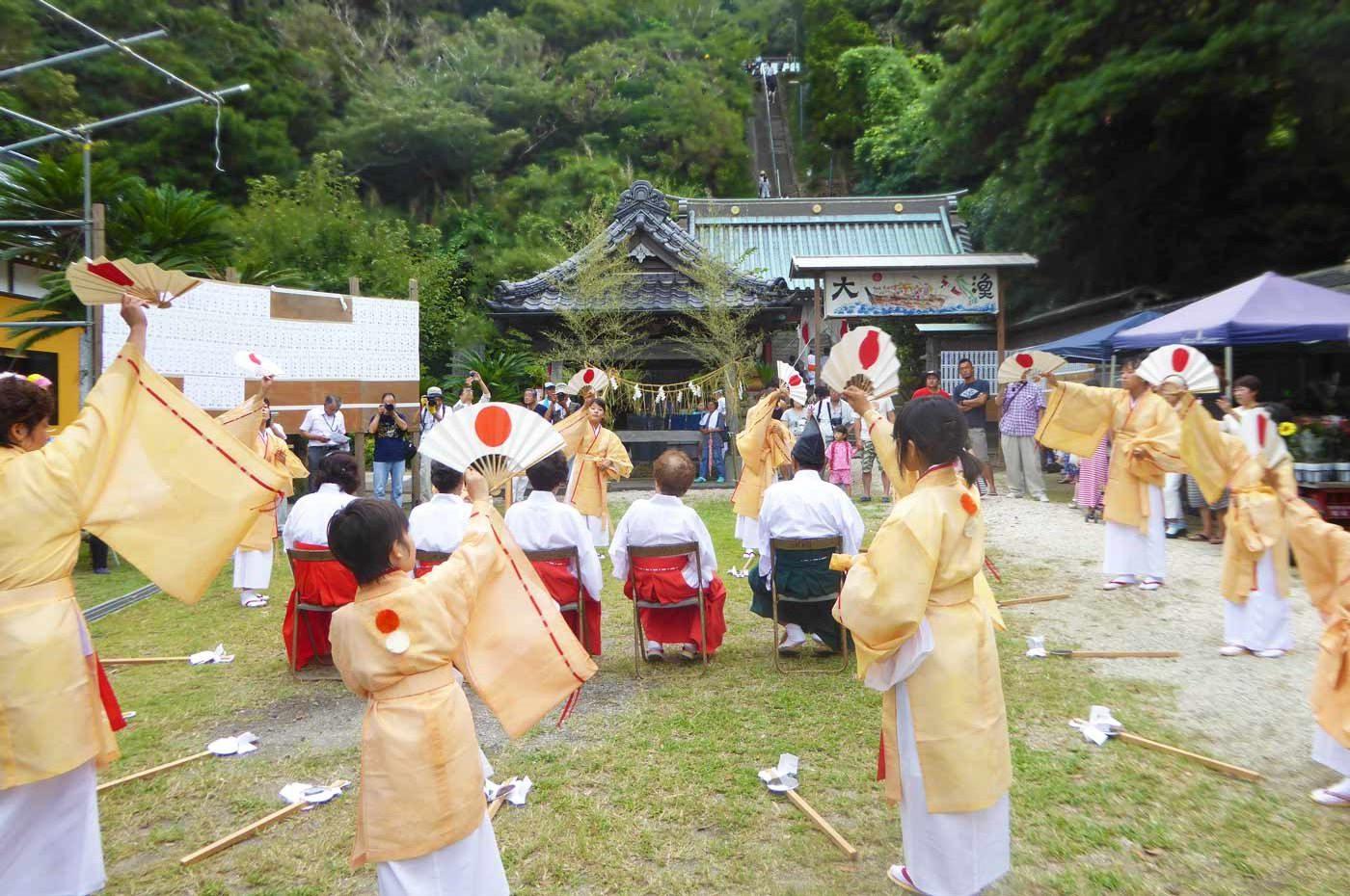 洲崎神社の鹿島踊り